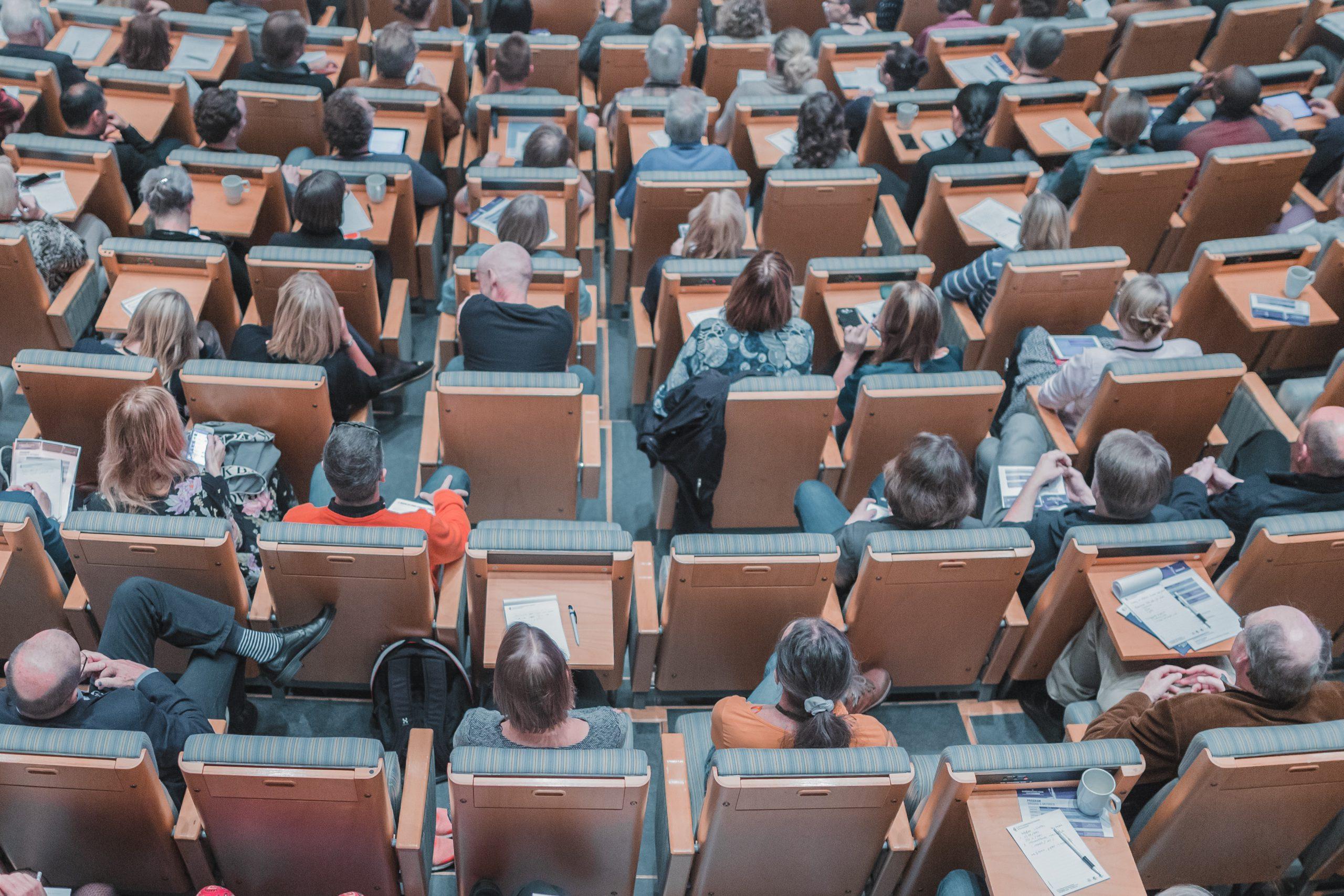 Olhar a leste: políticas e instrumentos da UE (e-learning) 2020-2021